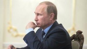 Ukazuje se, že nebezpečí číhá na ruského prezidenta a jeho nejbližší okolí nejen na Západě, ale i na Východě.