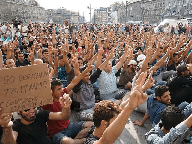 Migranti Budapešť Keleti